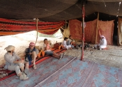 Um Fruth rock bridge - Bedouin Tea break